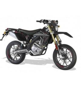moto 125cc homologu e une moto pour s 39 vader scootcash. Black Bedroom Furniture Sets. Home Design Ideas